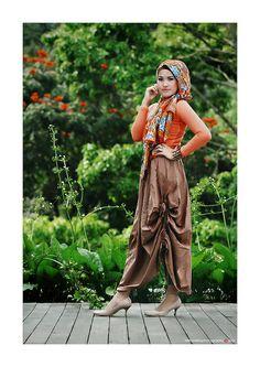 #Fashion Hijab 4 by Ghaghah Vektoretro, via Flickr ❤ hijab style