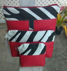#cosmeticbag #wristlet #coinpurse #set Cosmetic Bag, Messenger Bag, Coin Purse, Satchel, Bags, Fashion, Handbags, Moda, Toiletry Bag