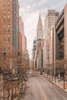 10 Best Areas Of New York To Visit - - New York is an incredible city! That being said, it's so much more than just one place, it's a huge mix of communities, neighbourhoods and the best areas of New York that are dotted all. City Aesthetic, Travel Aesthetic, Building Aesthetic, Nature Aesthetic, Aesthetic Photo, City From Above, Voyage New York, City Photography, Cityscape Photography