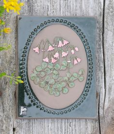 Wall hanging with Linnea flowers by artist Aimo Nietosvuori for Jie Gantofta. Scandinavian modern by FridasVintage on Etsy Swedish Style, Botanical Wall Art, Scandinavian Modern, Vintage Pottery, Wall Plaques, Hand Painted, Ceramics, Retro, Handmade Gifts