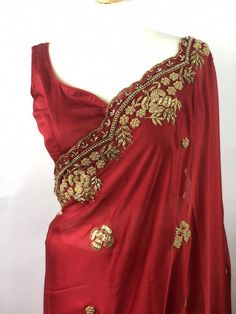 Red Saree, Saree Blouse, Indian Bridal Sarees, Silk Hair, Traditional Sarees, Saree Wedding, Lehenga, Dress Making, Blouse Designs