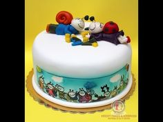 Kricky Cakes Decoration: Bogyó és Babóca torta festés/ cake hand painting - YouTube