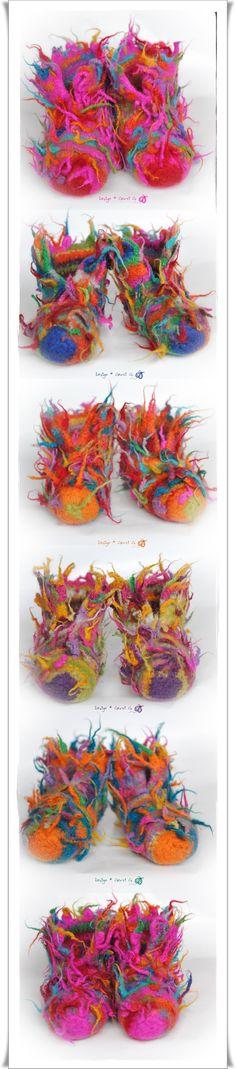 Meine Süßen...*wilde Sorte* ♥ ♥ ♥ Wild bezipfelte WaldElfenSchluppys und FeuerTanzSchuhe..., gehäkelt und bei 60° in der Waschmaschine g.filzt. ;-) Design: Gerti G. ♥