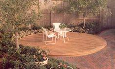 Opposite of one design - squarish deck with circular patio Wood Patio, Pergola Patio, Diy Patio, Backyard Patio, Backyard Ideas, Garden Ideas, Outdoor Rooms, Outdoor Gardens, Outdoor Furniture Sets