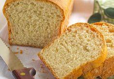 O Pão de Forma Fácil é econômico, macio e delicioso. Ele rende 2 pães grandes que são perfeitos para comer com margarina, manteiga ou frios. Faça e comprov