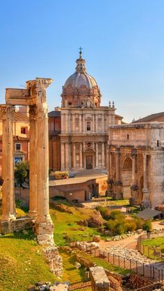 The Roman Forum, Rome, Italy. I would love to explore Italy! Rome of course, Naples & Pompeii, then Venice! Places Around The World, Travel Around The World, Around The Worlds, Places To Travel, Places To See, Wonderful Places, Beautiful Places, Voyage Rome, Roman Forum