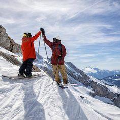 High five! *** credit to @christoffershoots  #iloveskiing #iamaskier #bluesky #dayoff #nowork #noproblem #springtime #neverstopdreaming #neverstopexploring #nevergiveup #skijunkie #skiday#outdoorwomen #girlsonskis #liveBOOM #letyourmindexplode #happygirl #quote #inspiration #motivation #motivationalquotes #fahrenheit.ai #skitouring #bestmountainartists #wintertime