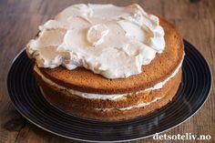 Marsipankake med kaffekrem | Det søte liv Pie, Desserts, Food, Pie And Tart, Pastel, Deserts, Fruit Cakes, Pies, Dessert