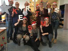 11 december 2015: De collega's van Opname in locatie Heerlen zijn er vroeg bij dit jaar! Door middel van deze sfeervolle foto wordt iedereen alvast een heel fijn kerstfeest gewenst.