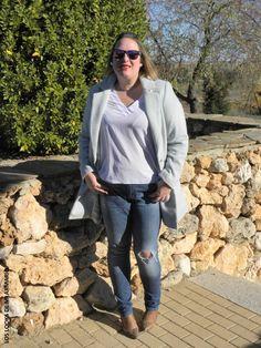 Casual Look. Look con abrigo masculino y jeans skinny. LOS LOOKS DE MI ARMARIO. invierno-look-otoño-abrigo-azul-bebe-jeans-pitillo-violeta-by-mango-talla-grande-plus-size-mujeres-reales-curvy-blogger-madrid-los-looks-de-mi-armario-02