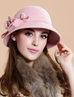 English style hats for women autumn winter woolen hat female bucket hat Fancy Hats, Cute Hats, Rosa Hut, British Hats, Turban Hijab, Stylish Hats, English Style, Pink Hat, Love Hat