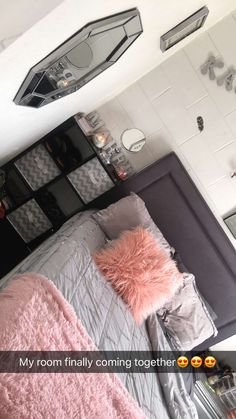 47 Super Ideas Apartment Living Room Set Up Beds Girl Bedroom Designs, Room Ideas Bedroom, Bedroom Bed, Bedroom Inspo, Bedroom Decor, Woman Bedroom, Cute Room Decor, Bedroom Night Stands, Dream Rooms