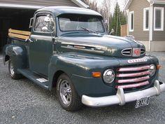 1948 Ford Mercury M-47 1/2 Pickup Truck Hot Rod Pickup, Old Pickup Trucks, Gm Trucks, Cool Trucks, Cool Cars, Chevy Trucks, 1950 Ford Pickup, 1948 Ford Truck, Classic Trucks