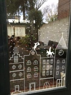 This DIY Sinterklaas window decoration is so simple that even we can and it . - Back to School Noel Christmas, Christmas And New Year, Christmas Crafts, Christmas Decorations, Xmas, Holiday Decor, Christmas Window Display, Theme Noel, Window Art