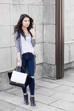 simple style tshirt outfit with long cardigan and celine trapeze bag Summer Outfits For Teens, Simple Outfits, Casual Outfits, Fashion Outfits, Casual Wear, Cute Cardigan Outfits, Cute Cardigans, Drape Cardigan, Dress With Cardigan