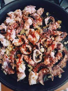 Caracatiţă în stil mediteranean #provocare Paella, Ethnic Recipes, Food, Essen, Meals, Yemek, Eten