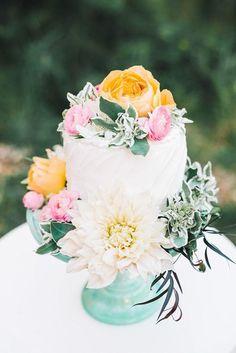 25 Gorgeous Beautiful Wedding Cake Ideas   http://www.deerpearlflowers.com/25-gorgeous-beautiful-wedding-cake-ideas/