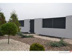 Nowoczesne ogrodzenia metalowe Tarczyńscy Golina - Sprzedajemy.pl Modern Fence Design, River House, House Front, Garage Doors, Garden, Outdoor Decor, Home Decor, Small Yards, Fences