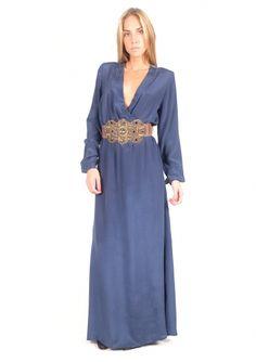 Vestido de seda con escote y cinturón - Silk dress with belt | www.sayan.es | SAYAN