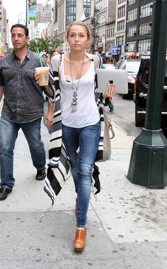 Miley Cyrus Photo - Miley Cyrus in Manhattan
