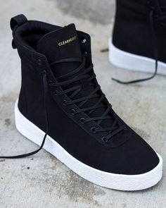 Fashion shoes for womens – All you need is … shoes… :) Mens Fashion Shoes, Fashion Boots, Sneakers Fashion, Sneakers Mode, Shoes Sneakers, Shoes Jordans, Adidas Sneakers, Sneakers Workout, Shoes Sandals