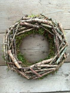 Spring Wreath – lots of ideas in my head for how to embellish – Fall Wreath İdeas. Wreaths And Garlands, Fall Wreaths, Easter Wreaths, Christmas Wreaths, Christmas Crafts, Christmas Decorations, Twig Crafts, Driftwood Crafts, Moss Wreath