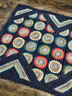 NEW PATTERN! Available on ETSY || CRAFTSY || RAVELRY || LOVEKNITTING Wildflower is perfect for a quick blanket as it has a fabulous starburst flower plus so many stitches you'll never get ...