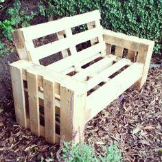 Építs te is raklapból kerti padot, nézd meg hogy teheted meg ezt