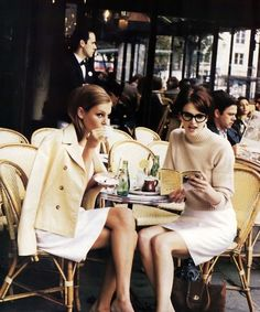 Un verre entre copines ? On vous dévoile nos terrasses chauffées favorites ! http://www.doitinparis.com/fr/sortir-paris/weekend-paris/4-super-terrasses-chauffees-2106