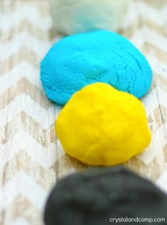 How to Make Homemade Clay for Kids Homemade Clay, How To Make Homemade, Thumbprint Necklace, Baby Development, Best Mom, Girl Scouts, Corn Starch, Projects To Try, Easy