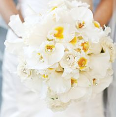 Bouquet: Darryl & Co. ~ Photo: Heather Essian