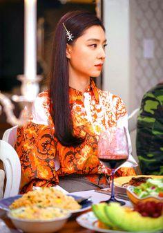 Crash Landing on You Seo Ji-hye Inspired Hair Clip 001 Korean Accessories, Jewelry Accessories, Seo Ji Hye, K Drama, Size Zero, Hyun Bin, Korean Actresses, Korean Beauty, Dress Me Up