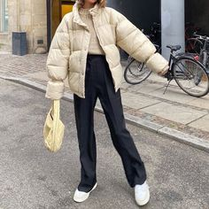 pic inspo style mode inspiration trendige outfits - New Ideas Winter Fashion Outfits, Fall Winter Outfits, Look Fashion, 80s Fashion, Fashion Clothes, Korean Fashion, Summer Outfits, Ootd Winter, Vintage Fashion