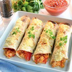 Njut av en god och smakrik måltid som tar dig 10 att tillaga. Lär dig hur man gör Enchiladas på ett smart sätt. Alla våra recept är SmartPointsberäknade. Enchiladas, Learn To Cook, Eating Plans, Fresh Rolls, Bacon, Sandwiches, Clean Eating, Food And Drink, Healthy Recipes