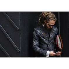 Men's Jackets For Every Occasion. Photo by Menswear Market Jackets are a must-have in the cold weather but it can also be used to accessorize an outfit. Mens Fashion Blog, Mens Fashion Suits, Mens Suits, Men's Fashion, London Fashion, Gentleman Fashion, Style Costume Homme, Message T Shirts, Elegant Man