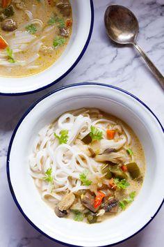 Vegetarian Vegetable Soup, Vegetable Soup Recipes, Tom Kha Soup, Thai Coconut Soup, Crockpot, Curry, Favorite Recipes, Homemade, Meals