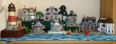 If you're a fan of the seaside, the Plymouth Corners collection by #Lemax is ideal for Spring and summer displays. Here one of our customers has created a most wonderful display. Using different levels to create extra interest, the scene is complete with accessories, trees and a realistic ocean and sand area. Photo courtesy: Sue. H.
