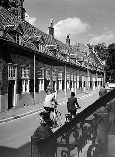 Agnietenstraat | Jaren 50 | De Kameren van Maria van Pallaes een rijtje van twaalf Vrijwoningen uit 1651