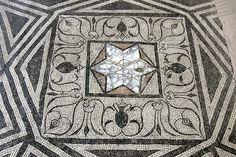 MANA - Mosaik 1 - Opus sectile - Wikipedia, la enciclopedia libre