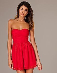 maid of honor for dress Two (dress needs to be a little darker) Simple Red Dress, Bandeau Dress, Rare London, Strapless Dress Formal, Formal Dresses, My Perfect Wedding, Maid Of Honor, Fashion Online, Chiffon