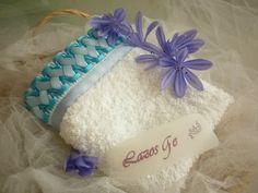 Toalla bordada en cinta LAZOS GE modelo Begonia celeste
