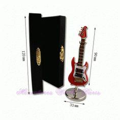 Guitare électrique de 9 cm en bois - GER9 #maisondepoupées #dollhouse #guitare #guitar #guitareélectrique #electricguitar #instrument #musique #music #miniatures #miniature #bois #wood