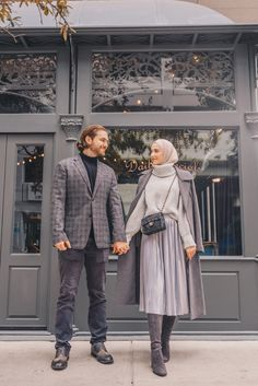 Good Cost-Free hijabi Fashion Winter Suggestions If your New Year sees an individual thinking fashion while in the very coldest weeks with gli Modern Hijab Fashion, Street Hijab Fashion, Hijab Fashion Inspiration, Muslim Fashion, Modest Fashion, Look Fashion, Fashion Outfits, Maxi Outfits, Modest Outfits