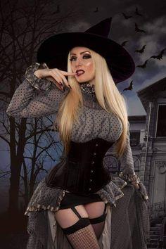Steampunk Mode, Pin Up Girls, Wicked Witch Costume, Beautiful Witch, Beautiful Ladies, Dark Beauty, Model Photographers, Sexy Women, Gothic Beauty