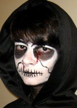 Halloween Make Up Tutorial great for adults and teens...go as the Grim Reaper.  Quick and easy Halloween costume idea.