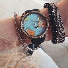 """502 curtidas, 15 comentários - Viagem (@gate05) no Instagram: """"Viajar é trocar a roupa da Alma Siga @gate05 Foto @_patceccato Relógio Mapa Mundi Onde comprar:…"""""""