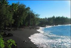 Kalapana Beach - black sand from disintegrated Lava