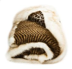 Bust of Faux Sheepskin Throw: Chasing Luxury in Fashionable Look