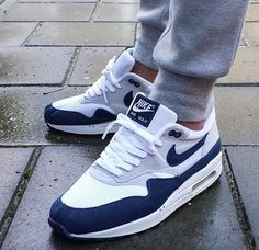 Best Sneakers, White Sneakers, Air Max Sneakers, Sneakers Fashion, Sneakers Nike, Swag Shoes, Plus Size Fall Fashion, Retro Shoes, Crazy Shoes