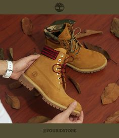 Você que é fã das nossas Yellow Boots vai adorar essa novidade. A Timberland e a Your ID Store lançaram uma edição especial e você pode encontrar via internet no http://youridstore.com.br/ Corre lá pra garantir a sua, pois a edição é limitada!